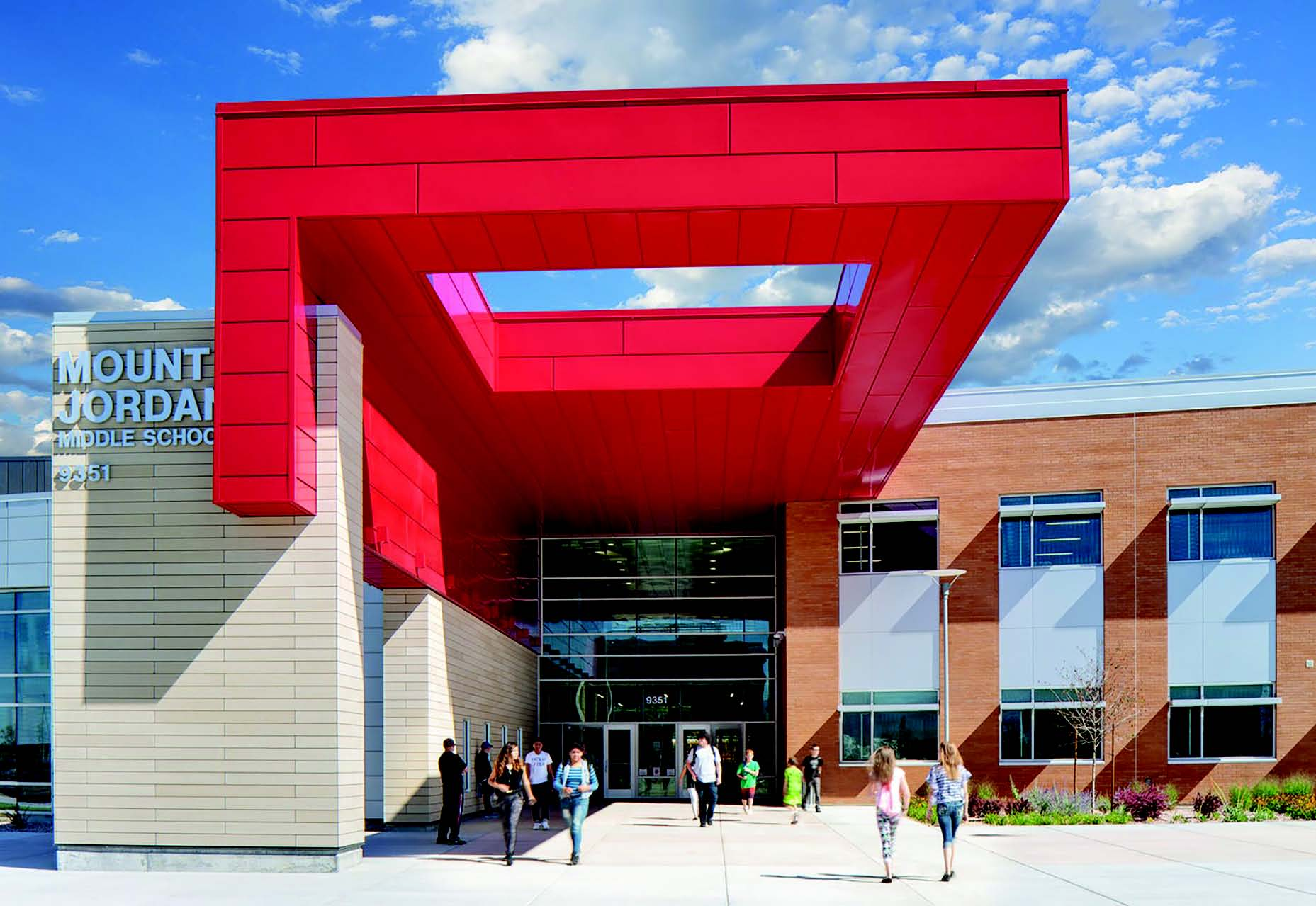 A Colorful Comeback Building Teams Go Bold With Color